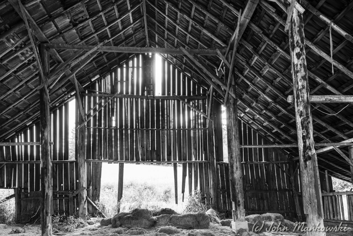 Black White Inside An Old Barn Pentaxforums Com