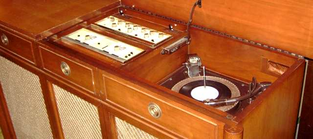 Stromberg Carlson Sp 965 C Quotintegrity Seriesquot Console And