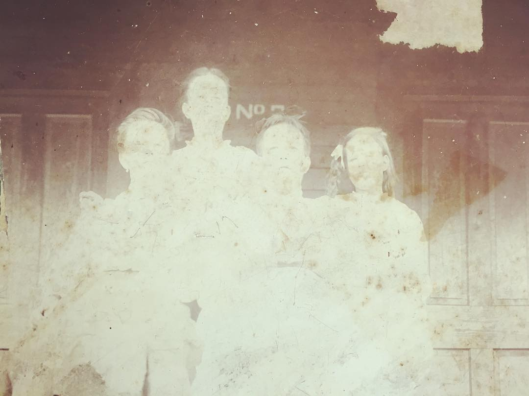 Ghost children in antique store in Gintersville Alabama