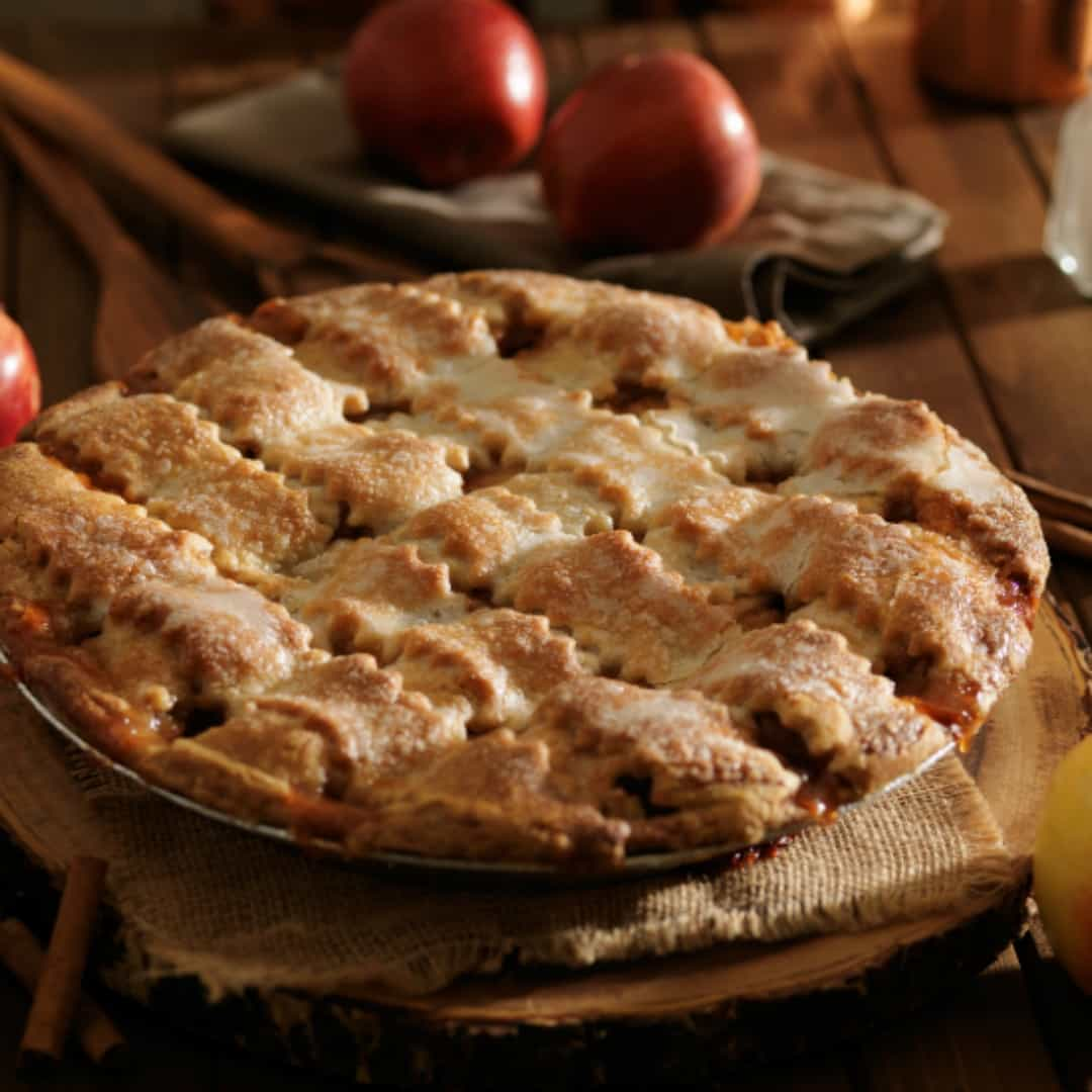 Mom's Apple Pie |You can make this amazing comfort food tonight!