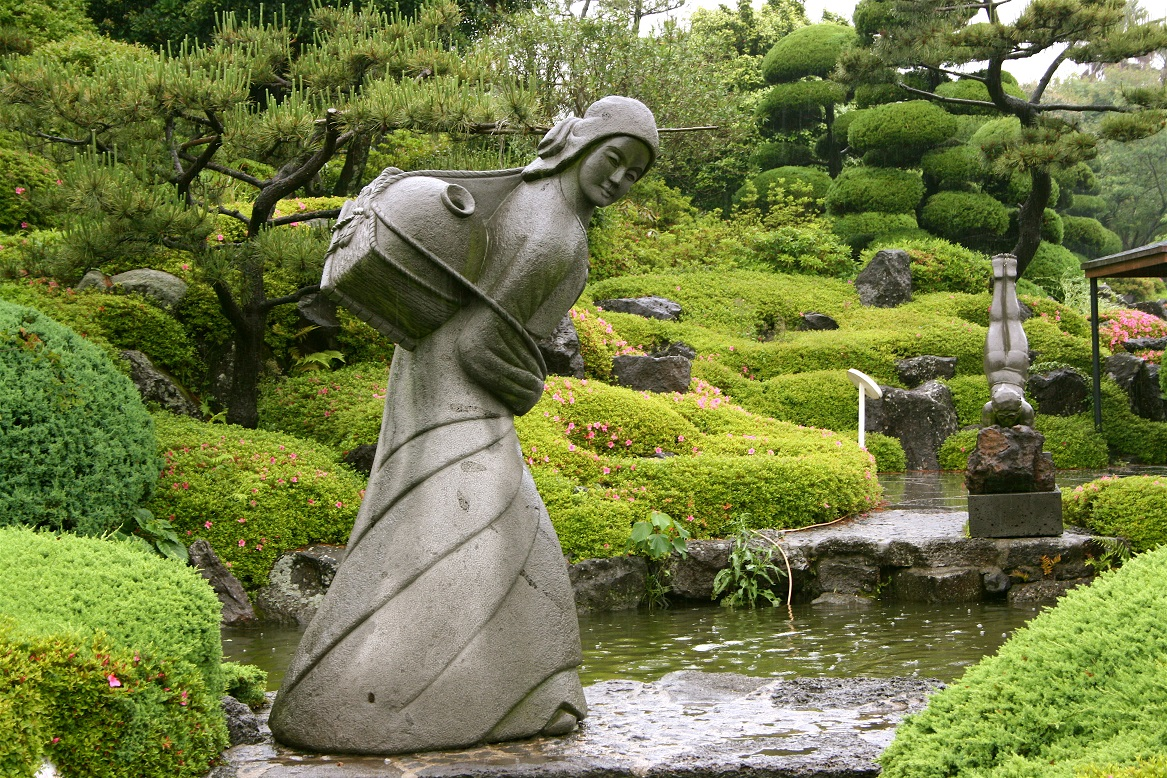 Statues For The Garden What 39s New In Gardens Incorporating History Makes It Sing