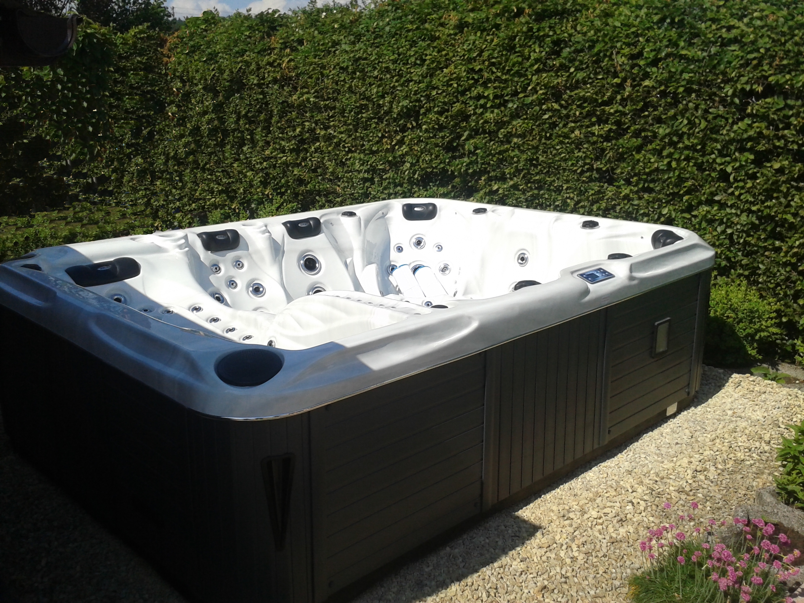 Whirlpool Outdoor Nutzen Outdoor Whirlpools | Wellness | Peters & Wiebe Gbr