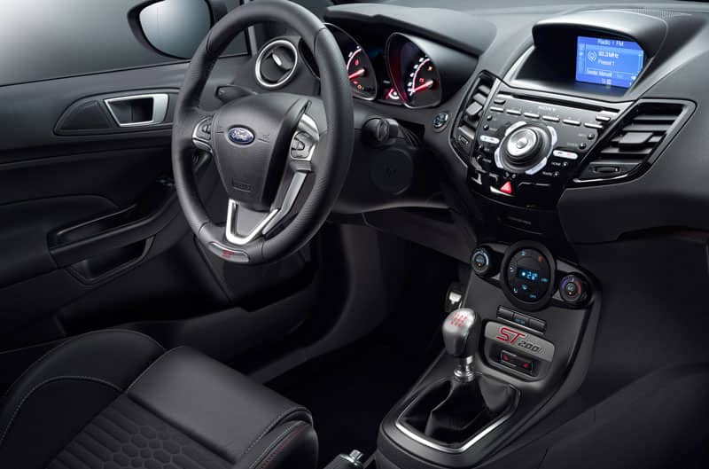 Ford Kuga 2017 Interieur Ford Fiesta St200 Adds More Spice To A Hot Hatch