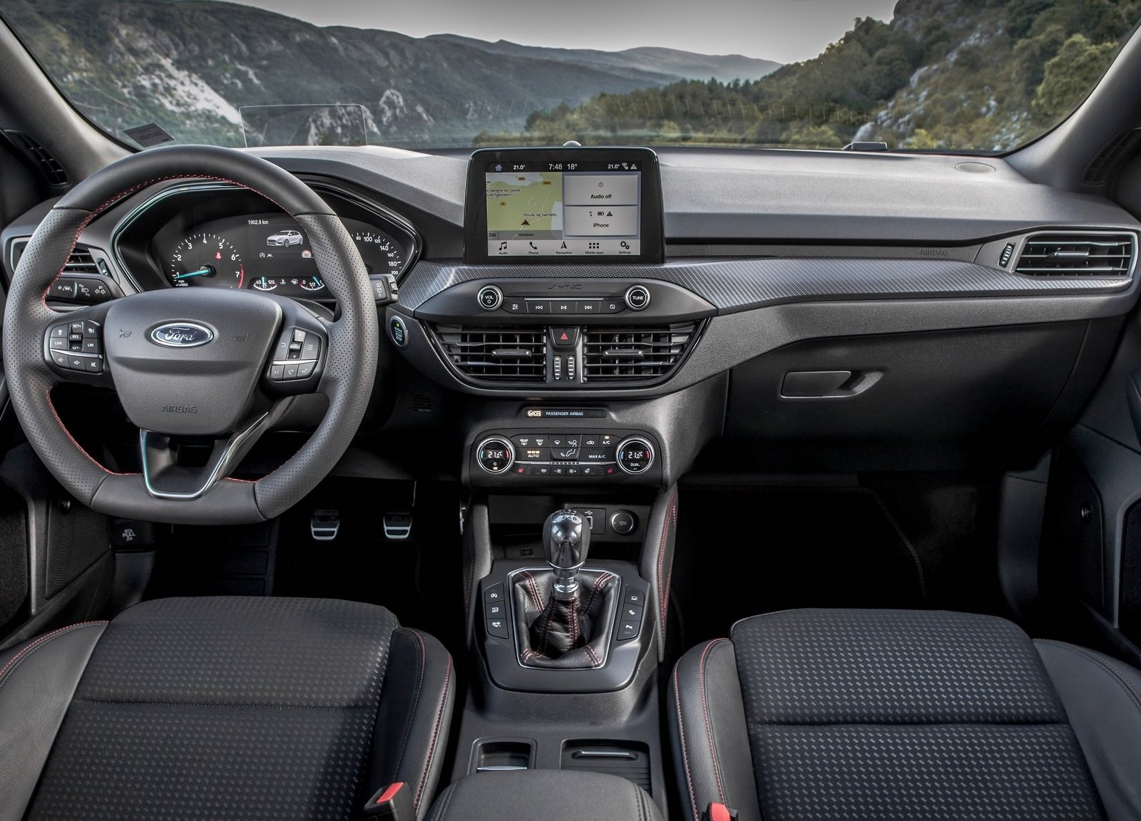 2019 ford mondeo and mondeo wagon interior