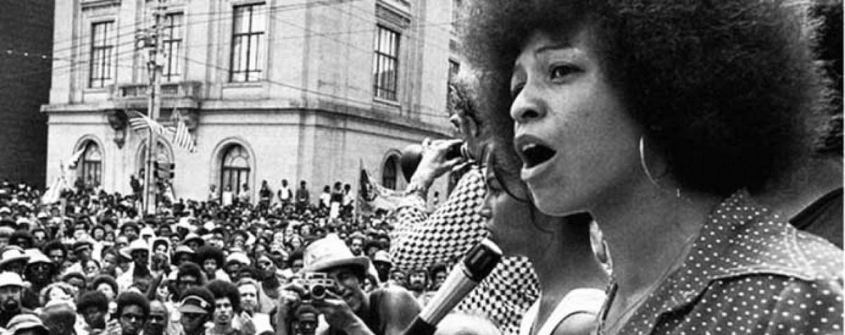 Coletivo Black Power promove cine-debate sobre o empoderamento da mulher negra nas periferias