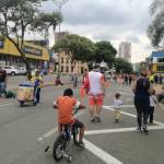 Los niños disfrutan el ciclopaseo en la carrera 27. /FOTO EKATHERINE GARAVITO