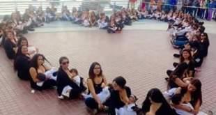 Periodistas argentinas amamantan a sus hijos en TV