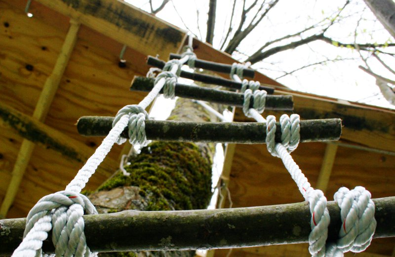 How Do You Tie The Knots On A Rope Ladder How To