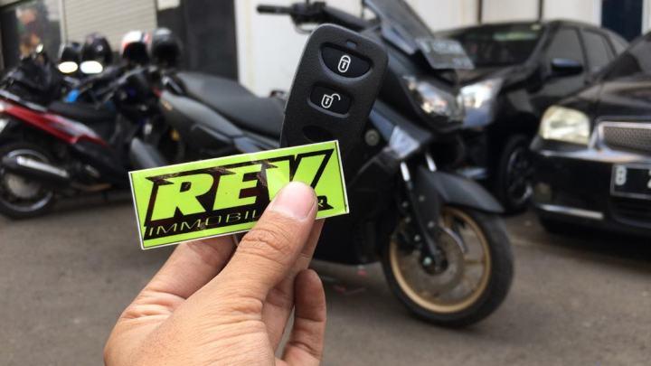 Alarm NMAX Terbaik: REV Immobilizer Yamaha NMAX, Garansi 1 Tahun!