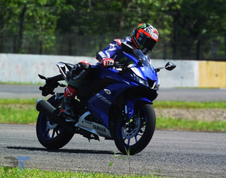 ALL-NEW-R15-VINALES-PERMANATRIAZ