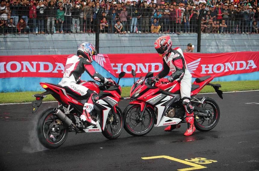 Marquez-Pedrosa-All-New-Honda-CBR150R_ori