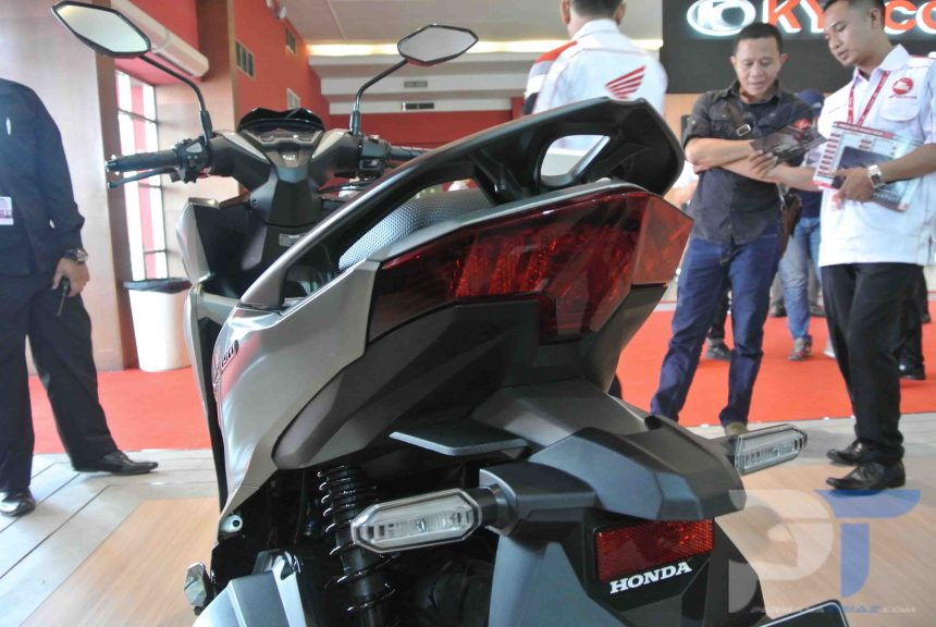 First Impression All New Honda Vario 150 Belakang