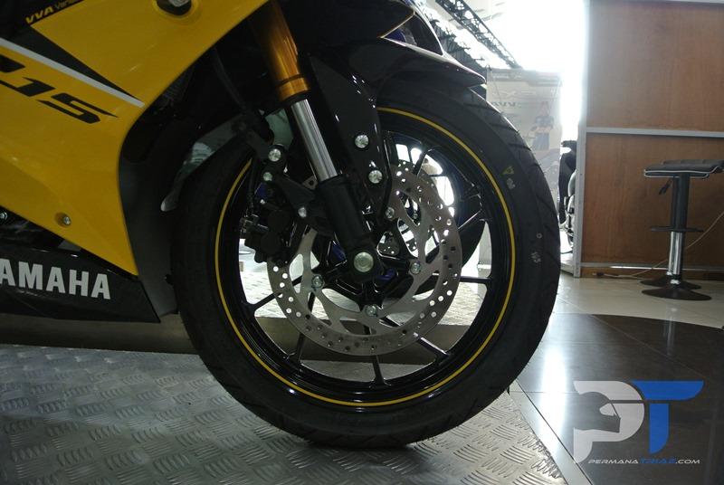 All New Yamaha R15 Warna Kuning Ban IRC