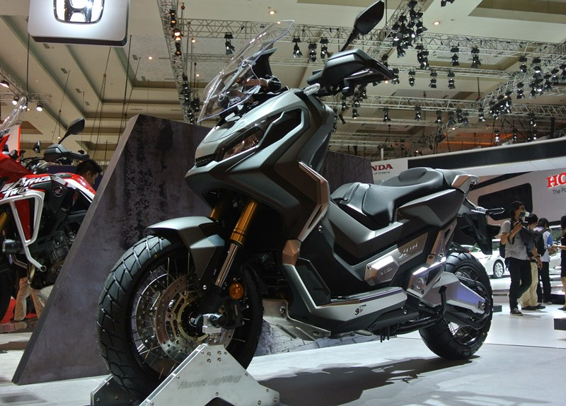 First Impression Honda X-ADV: Moge Matik Adventure, Inovasi Nyeleneh Dari Honda!