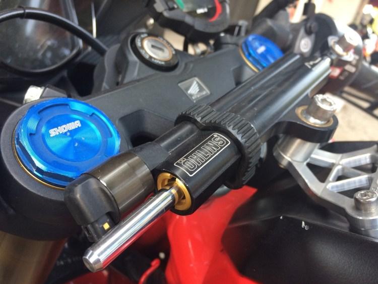 Modifikasi Honda CBR250RR Steering Damper Ohlins
