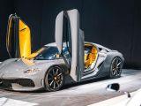 mobil keluarga super car