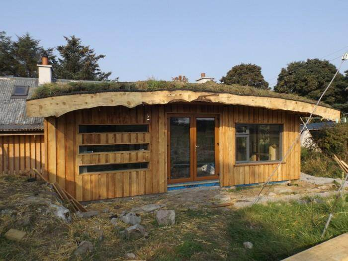Timber Frame With A Strawbale Insulated Green Roof