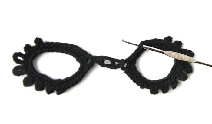 Crochet Masquerade Mask - Free Pattern - Persia Lou
