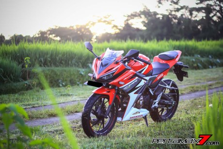 All New Honda CBR150R 2016 Warna Merah Racing Red 77 Pertamax7.com