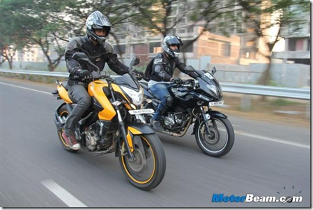 Pulsar-200NS-vs-Pulsar-220 (Small)
