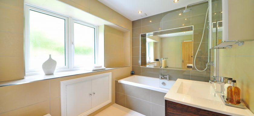 Mini salle de bain, MRC Architecte d\u0027intérieur pour Pétale de Carreaux