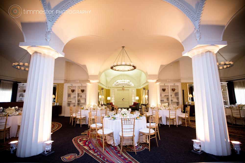 Real wedding lauren and geoff hotel monaco dc wedding for Hotel monaco decor