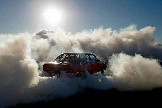 Car Manipulation Wallpapers Smokee Cars In Clouds Photos Of Burnouts