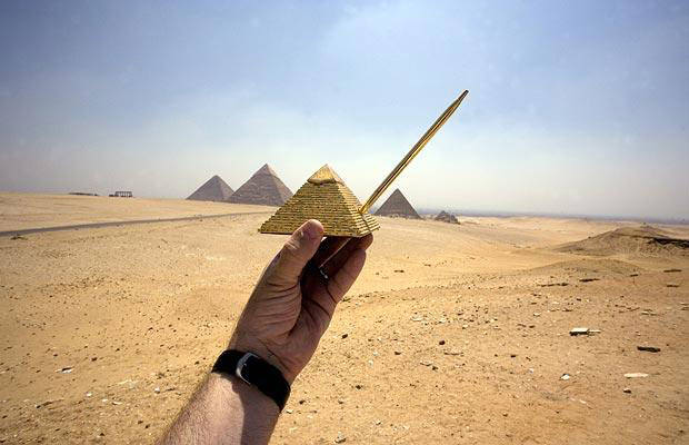 Forced Perspective Photographs with Souvenirs