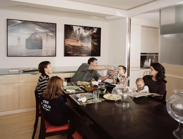Photo Series Documents American Life by Capturing Families Eating Together familymeal1