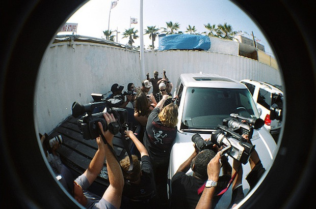 NPPA Says New California Anti Paparazzi Bill Threatens First Amendment Rights antipap2