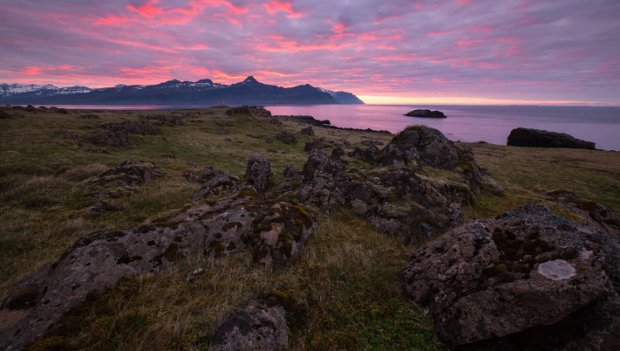 Photographer Travels 4,000 Miles Around Iceland for Time Lapse Adventure icelandtimelapse1