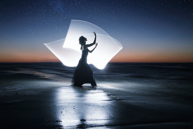 Black Wallpaper Girl How To Do Light Painting Photography With A 4 Foot Tube