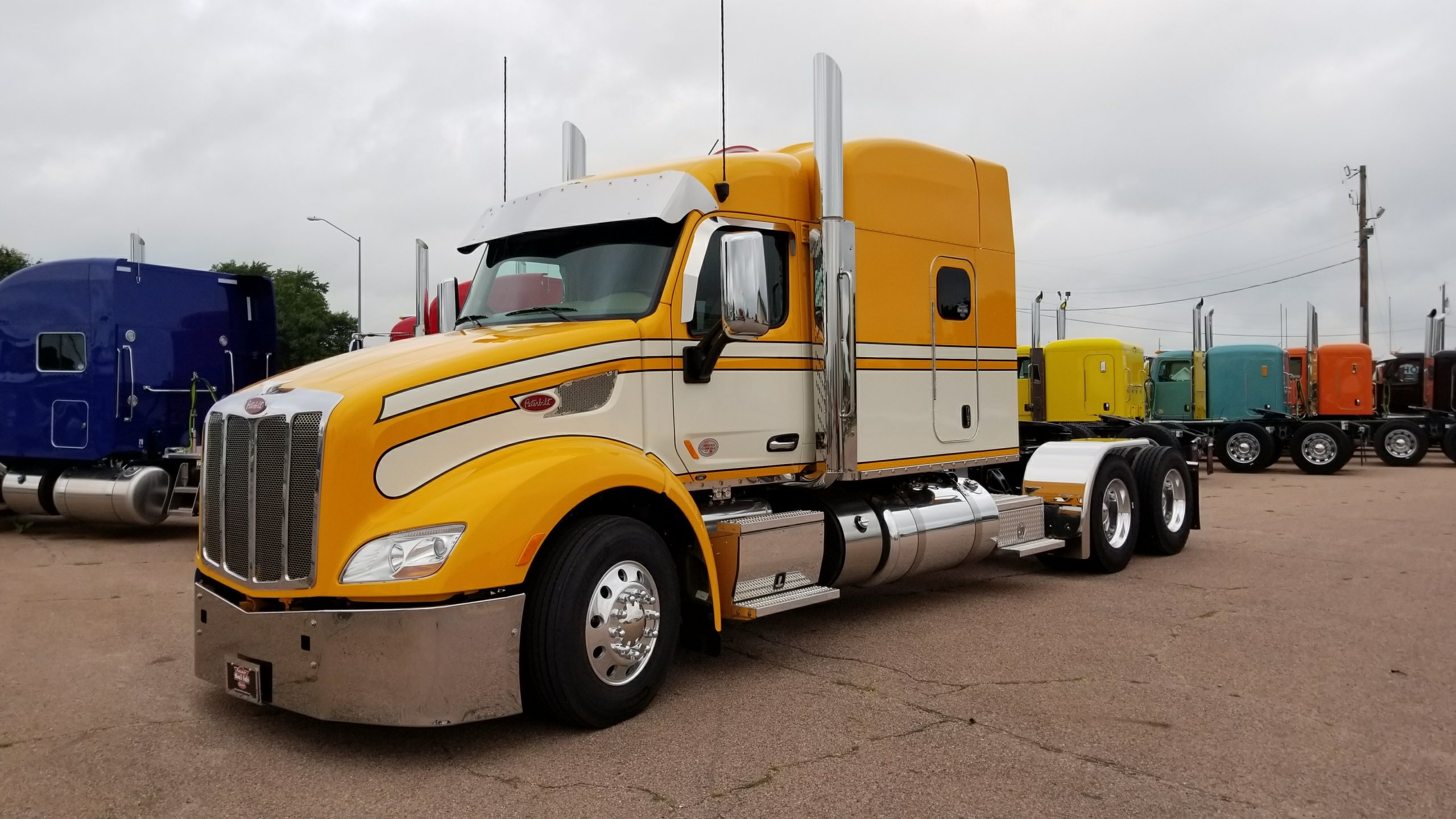 Wallpaper Stores In Sioux Falls Sd Custom Painted 579 Ready To Go Peterbilt Of Sioux Falls