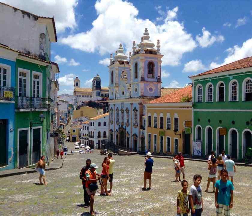 Salvador da Bahia Tipps, Largo do Pelourinho: Das linke Haus im Anschnitt ist Zu Verkaufen