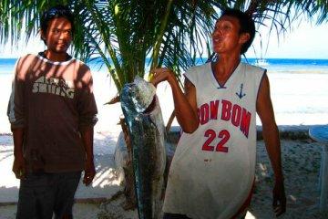 Pêcheurs à Siquijor. Philippines, février 2008.