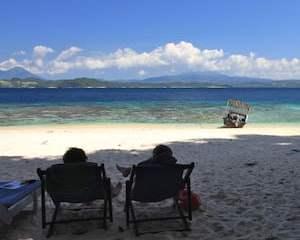 Murex resort Beach. Bangka Island. Sulawesi, Indonésie. Juillet 2010.