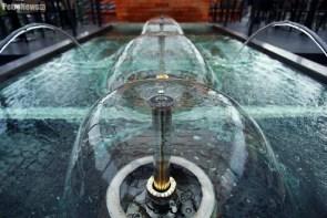 Fontanna również dodaje wieży uroku, fot. Adek jasiński