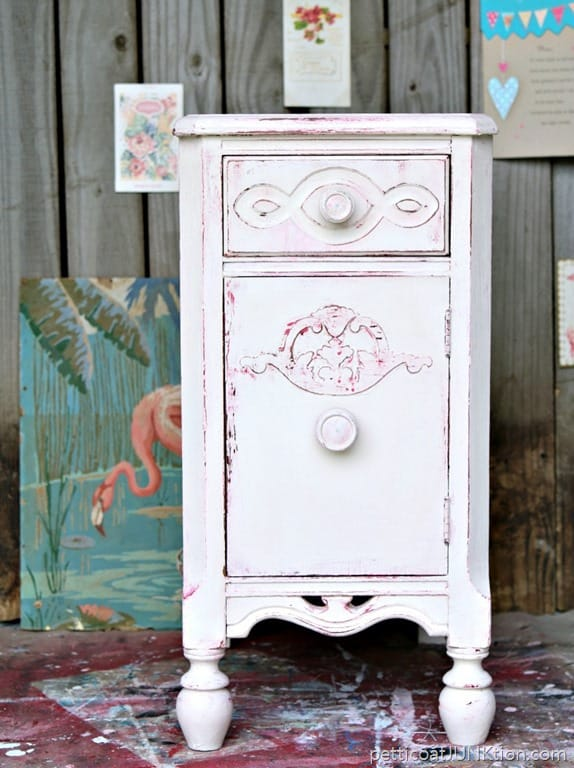 Shabby Chic Look How To Layer And Distress Paint With Vaseline Tutorial