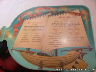 Cardápio de bebidas e sobremesas na Pirate's Night