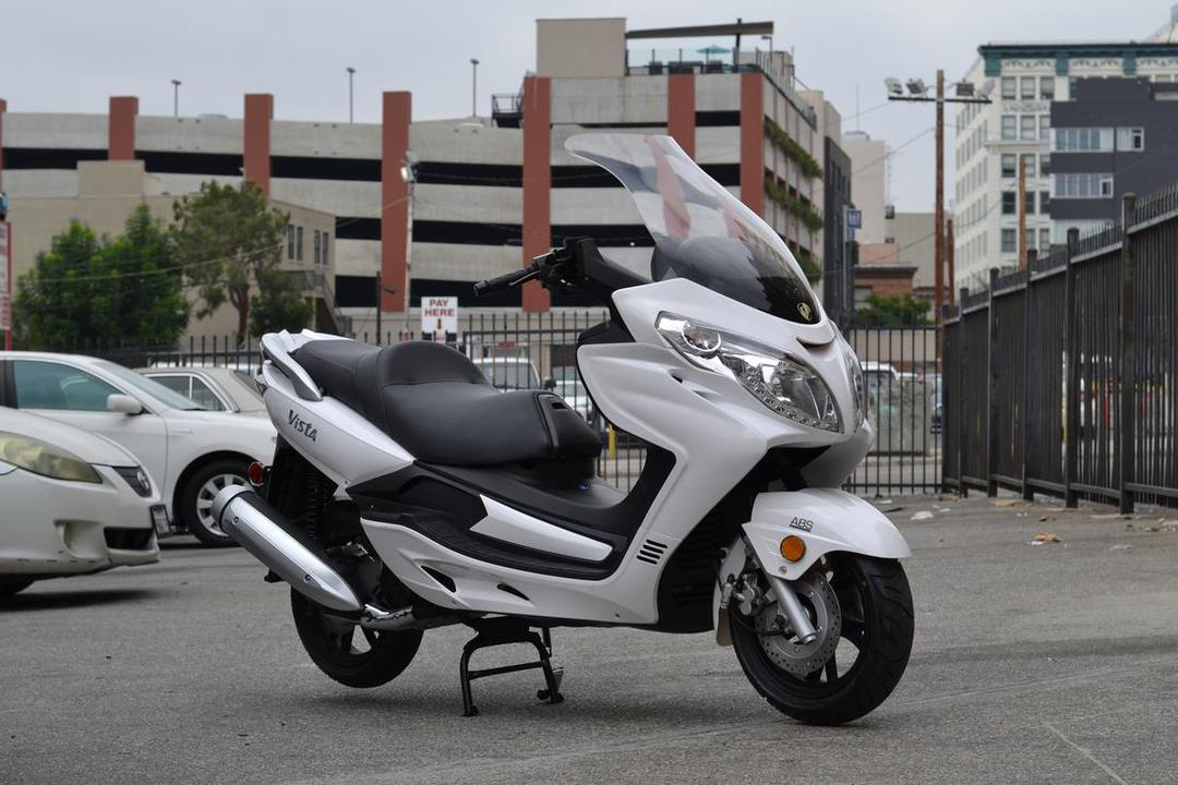 countyimports motorcycles scooters - VISTA 150cc Gas Motor