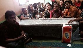 Orang tua Olivia Intan Marbun bersama keluarga besar dalam kesedihan yang luar biasa karena kehilangan anak terkasih