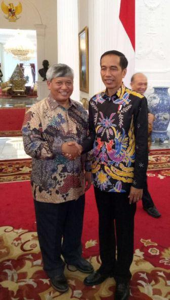 Pdt Dr Darwin Lumbantobing bersama Presiden Jokowi