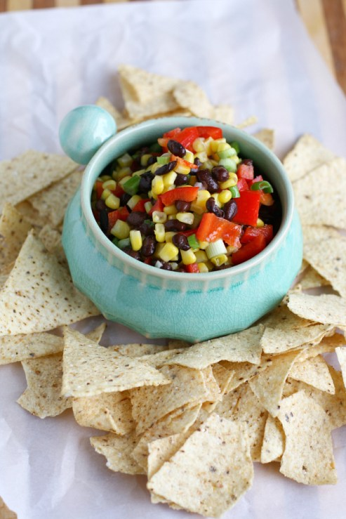 Super-simple-black-bean-corn-pepper-and-onion-salsa.-