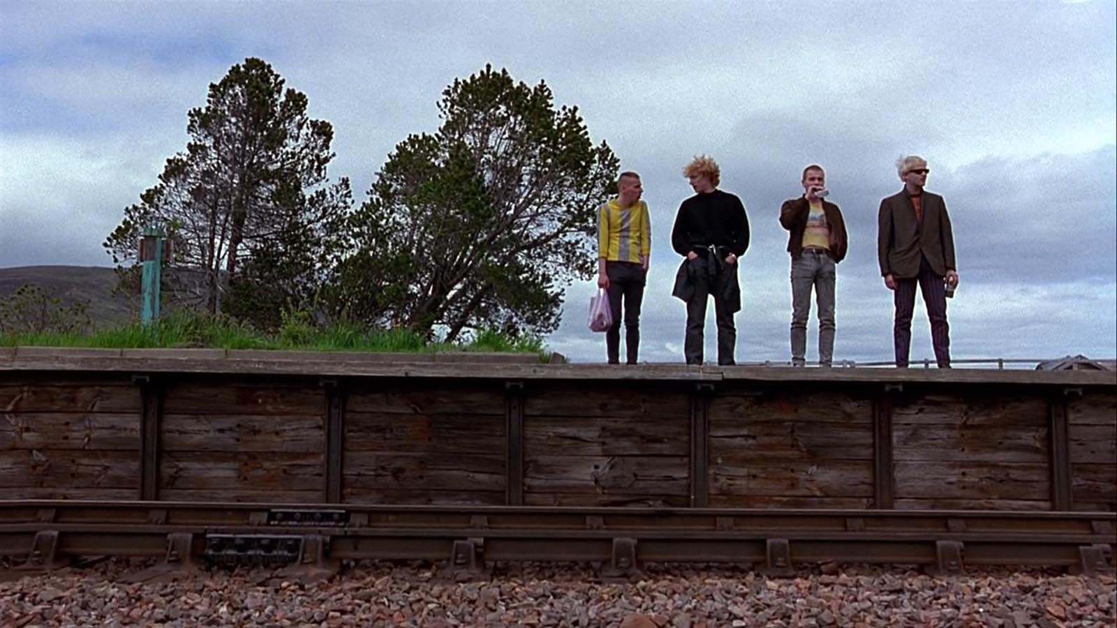 The Color Of The Wallpaper Quote Cin 233 Ma Cabaret Trainspotting 20th Anniversary Drama