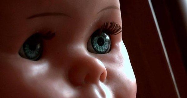 """Кадр из фильма """"Свои не свои"""". Источник: rgdoc.ru"""
