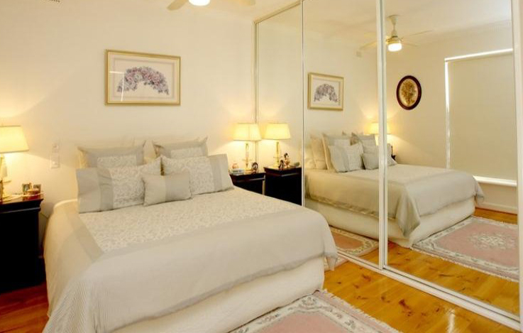 Both Basic Rules To Make Small Rooms Look Bigger - Home - how to make a small living room look bigger