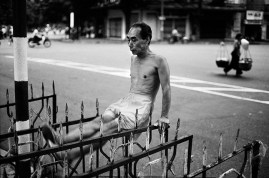 VIET NAM. Ha Noi. Calisthenics conducted every morning on the streets.