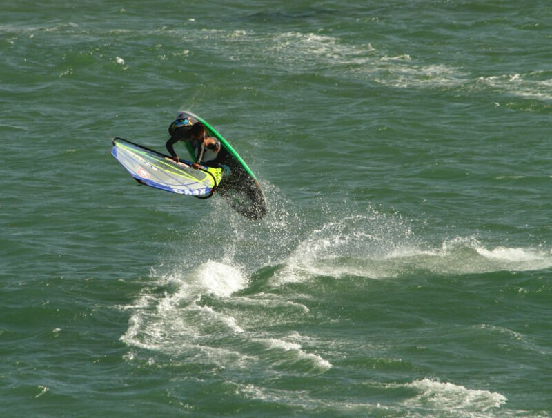 Upwind ramp Phil Soltysiak CAN 9 windsurfing pasko on Isla Margarita, Venezuela. Photo by Adam Wojtkowiak.