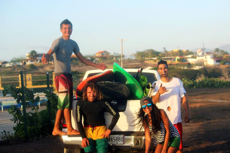 The end of a great time in El Yaque, packing up Cheo's truck after a fun session!