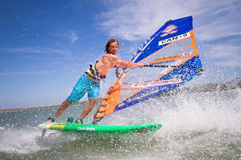 Phil Soltysiak sliding a grubby on Isla Margarita.